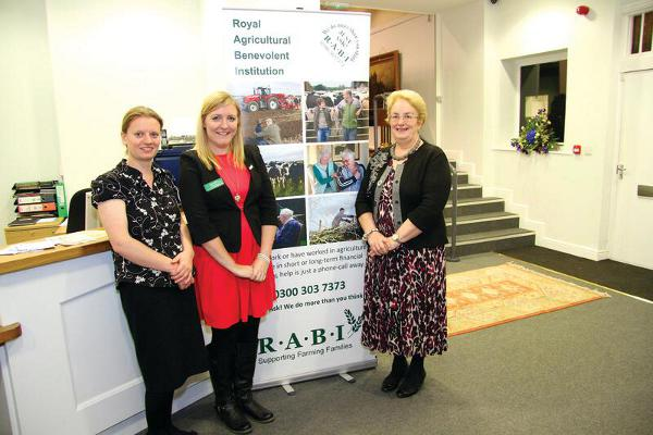 Gildings Auctioneers Host Preview Auction Evening in aid of The Charity R.A.B.I