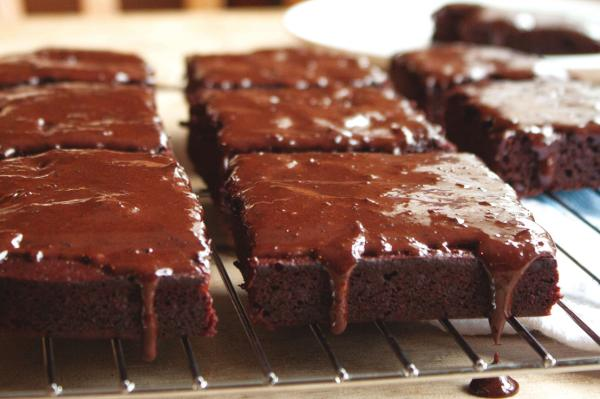Reduced Sugar Low Fat Chocolate Fudge Cake