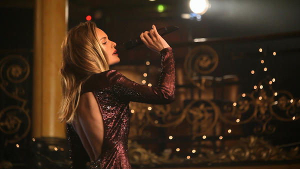 Topshop goes for Christmas #1 with Kate Bosworth song